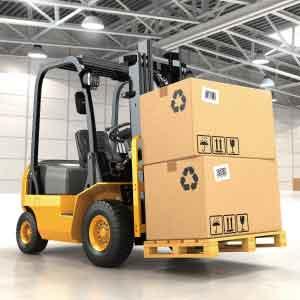 カウンター式フォークリフトアルミ製品の出荷と軽作業
